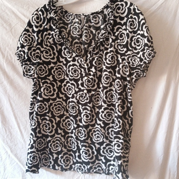 GAP Tops - 😎Woman's blouse from gap . size XL.GREAT DEAL!